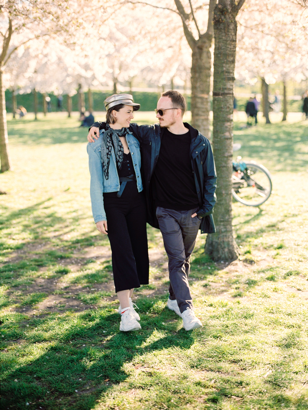 Engagement and Wedding Photo Session in Copenhagen | Film Fuji 400H, Mamiya 645 | Love spring Denmark